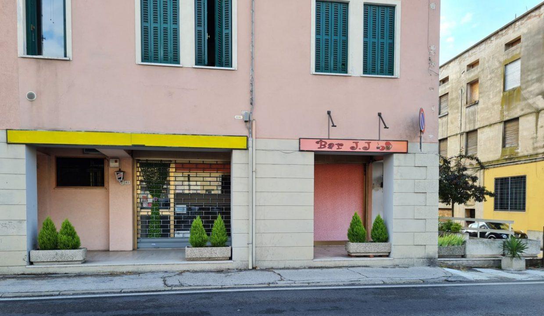 14 - Gruppo Vela Battaglia ingresso Bar da strada battaglia