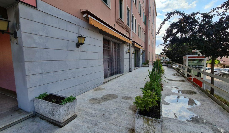 8 -Gruppo Vela Battaglia bar e piazzale